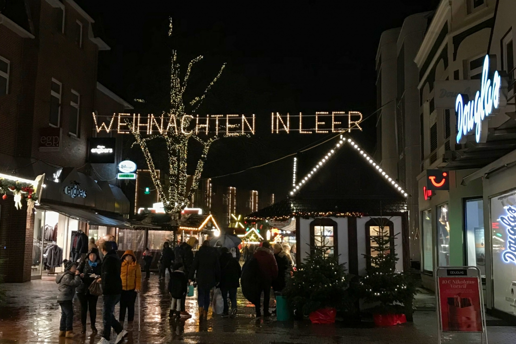 leer weihnachtsmarkt regen